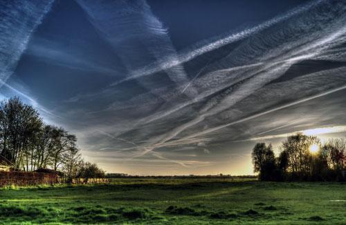 Chemtrails oder Wolken